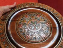 Decoratiune vintage din lemn cu insertii metalice-cadou ined