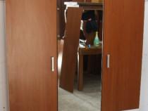 Sifonier cu 3 usi si oglinda; Dulap cu bara si polite; Fiset