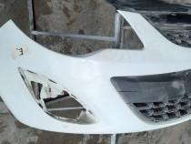 Bara fata Opel Corsa D crapata