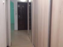 Apartament 3 camere central decomandat.