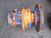 Reductor de mars pentru cilindru compactor
