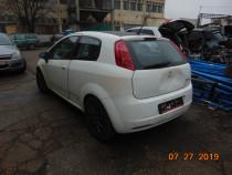 Dezmembrez Fiat Grande Punto motor 1.4 benzina manual an 200