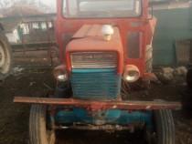Tractor Ford sau dezmembrez
