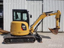 Miniexcavator Caterpilar 303.5, an 2016, cabina inchisa