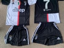 Compleu Echipament fotbal copii Juventus Ronaldo model 2020