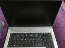 Laptop Fujitsu Siemens Amilo L1300 defect cu o cameră
