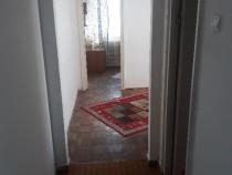 P.F. inchiriez apartament 3 camere iulius mall