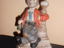 Figurina betivul cu tigara
