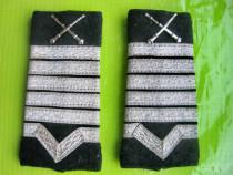 B760-2 Insemne grade Maistru militar Romania. Stare buna.