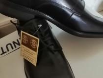 Pantofi piele noi 41