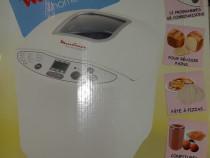 "Masina pâine ""Moulinex"", 12 programe, 1 kg"