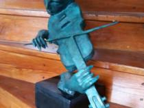 Statuetă din bronz masiv