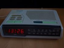 Radio PHILIPS AJ3282 cu ceas Fm,Mw,Lw vintage Malaysia