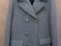 Palton Zara pentru femei gravide