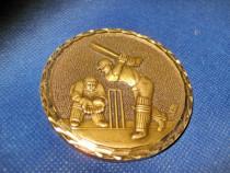 2101-I-Placheta veche Baseball din bronz masiv, diam. 6 cm.