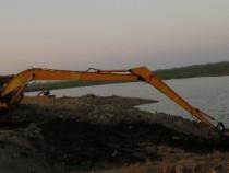 Închiriem Excavator cu brat lung