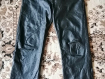 Pantaloni din piele naturala