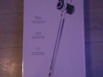 Aspirator vertical cu acumulator, marca Thomson - Nou