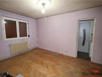 Apartament 3 camere, parter, zona Scoala 8 - Sud
