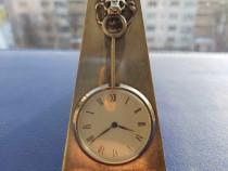 Ceas pentru birou din Argint