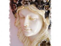 Consola de perete cu un cap de femeie IS009