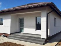 Săbăreni, casă 3 cam, 82 mp utili + terasă, CT, curte 42
