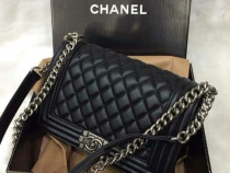 Genti Chanel le Boy,ligo/accesorii metalice argintii
