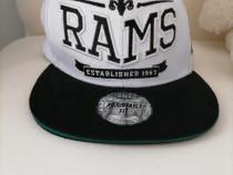 Șapcă sport rams produs de calitate.