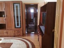 Apartament 3 camere zona Alexandru cel Bun