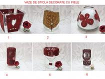 Vaze de sticla decorate cu piele