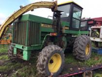 Dezmembram Tractor John Deere 5820