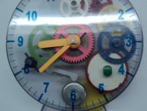 Jucarie ceas mecano (mecanic) cu pendul functional (vintage)