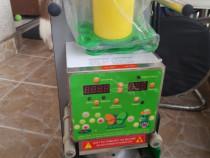 Masina de sigilat pahare din plastic sau caserole.