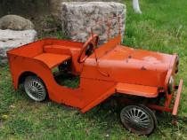 Mașinuța veche