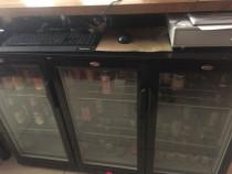 Masă frigorifică baruri pentru băuturi 330 litri - cu 3 uşi