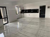 Modern, piscina, parcare privata, apartament 2 cam. 1 Mai