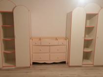 Doua dulapuri noi copii