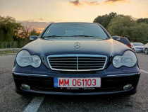 Mercedes Benz C 220 CDI an fabricație 2002