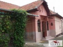 Casa 3 camere in Teius Est -1400 mp teren