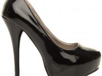 Pantofi marimea 38 + cadou surpriza