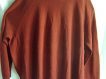 Pulover mărime mare, cu etichetă