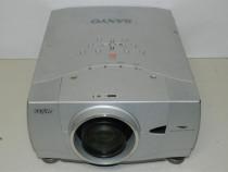 Proiector Sanyo PLC-XP 41