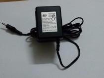 AC-DC adapter DC3513-04