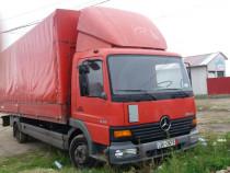 Mercedes 818