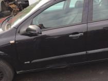 Usa Stanga fata Opel Astra H Neagra serie culoare Z2HU