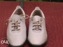 Pantofi gri de dama