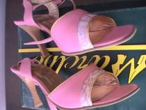 Sandale din piele noi