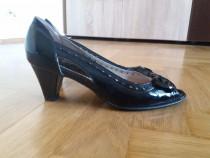 Pantofi piele naturala deosebiti marimea 35