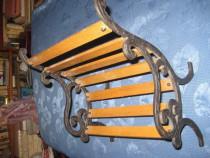 323a- Bancheta metalica decorativa pentru copii stare buna.