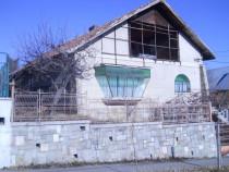Casa in Campina